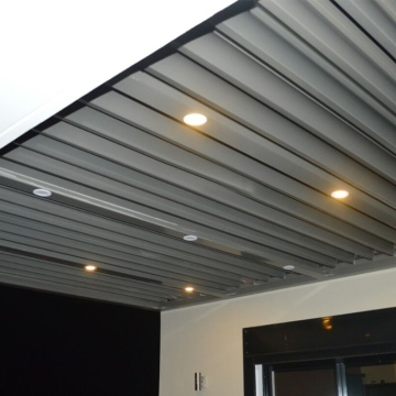 China Exterior Aluminium Pergolas With Fully Electronic Controlled Sunshades Louver Roof
